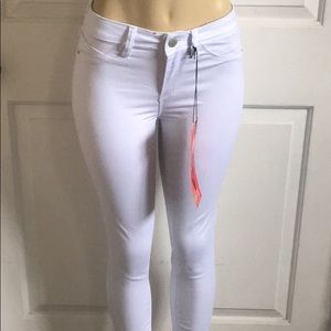 white jeans that make your butt look bigger